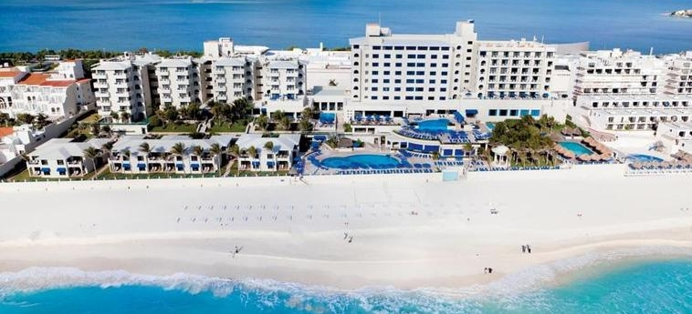 Hotel Occidental Tucancún: Strand CANCUN
