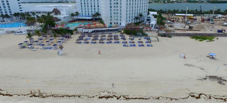 Hotel Sunset Royal Beach Resort: Esterno CANCUN