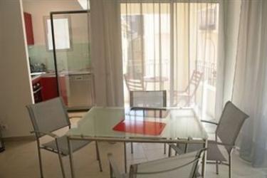 Hotel Suite Affaire Cannes Vieux-Port: Salon CANNES