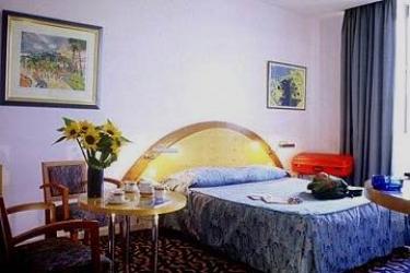 Hotel De France: Bedroom CANNES