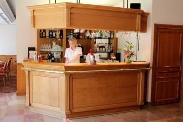 Hotel Sun Riviera: Bar CANNES