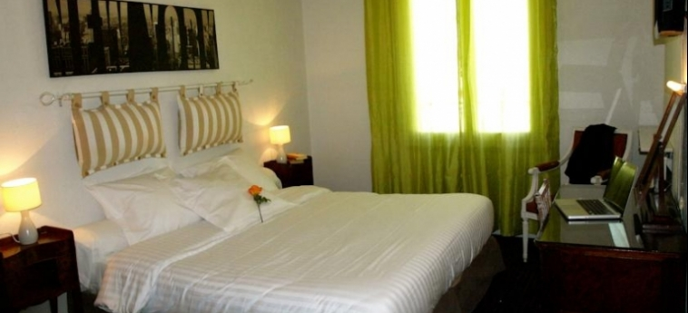 Hotel Ruc: Habitación CANNES