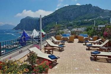 Hotel Relais Maresca: Exterieur CAPRI ISLAND - NAPLES