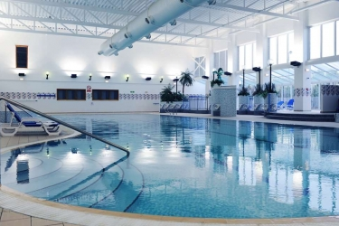 Village Hotel Cardiff: Swimming Pool CARDIFF