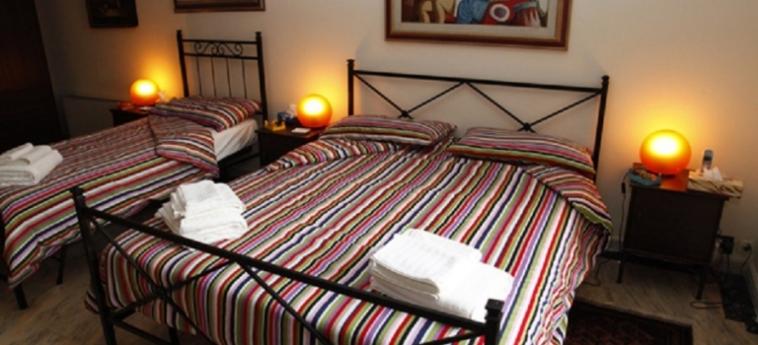 Hotel B&b Cocusinn: Chambre Triple CATANE