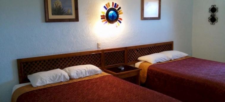 Hotel Mision Catavina: Outdoor Restaurant CATAVINA - BAJA CALIFORNIA