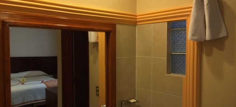Hotel Cano: Extérieur CELAYA