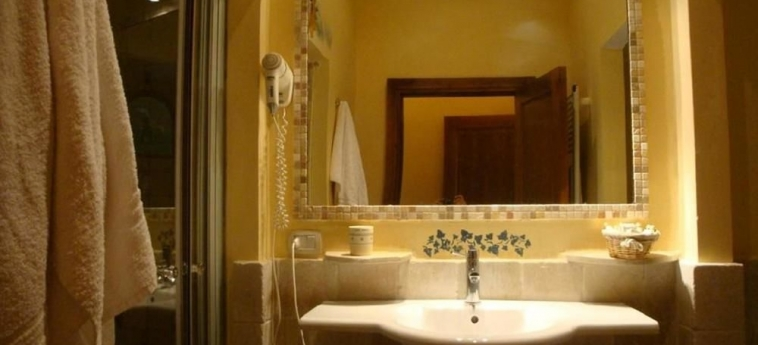 Hotel Tenute Al Bano : Bathroom CELLINO SAN MARCO - BRINDISI