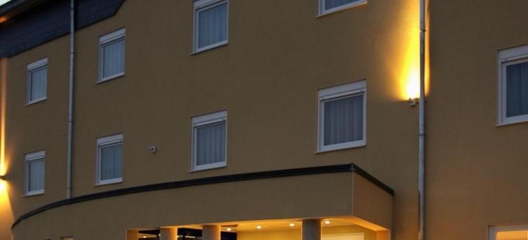 Hotel Best Western Aero 44: Entrada CHARLEROI