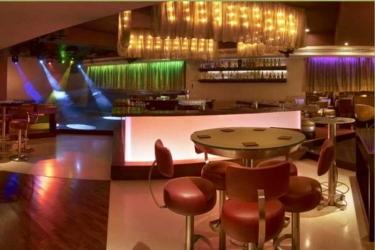 The Raintree Hotel, St. Mary's Road: Bar CHENNAI