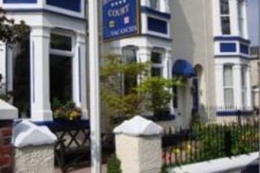 Hotel Hamilton Court: Parqueadero CHESTER