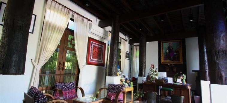 Hotel The Balcony Chiang Mai Village: Kamin CHIANG MAI