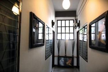 Zz House Chiang Mai: Innen Bar CHIANG MAI