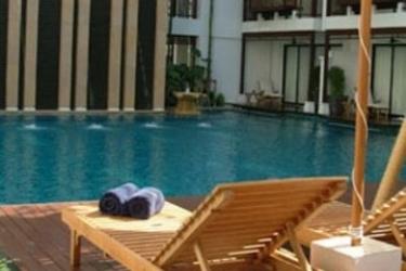 Hotel Rarinjinda Wellness Spa Resort: Outdoor Swimmingpool CHIANG MAI
