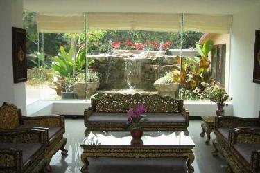 Hotel Oasis: Bar CHIANG MAI