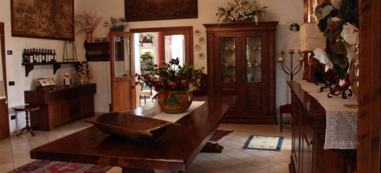 Hotel Villa Sant'uberto Country Inn: Jacuzzi CHIANTI AREA