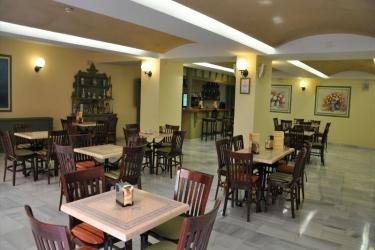 Hotel Alboran : Ristorante CHICLANA DE LA FRONTERA