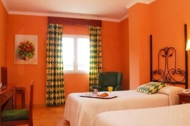 Hotel Alboran : Bedroom CHICLANA DE LA FRONTERA