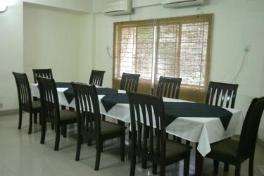 Hotel Ambassador Residency: Am Pool Cafè CHITTAGONG
