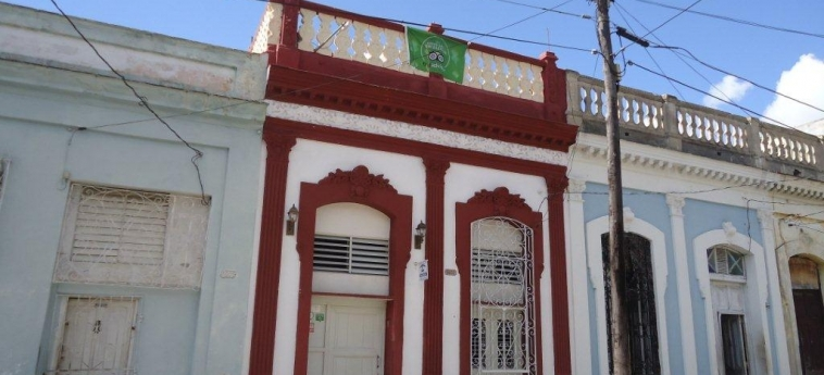 Hotel Hostal Rivero Novoa: Facade CIENFUEGOS