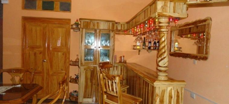 Hotel Hostal Rivero Novoa: Indoor Bar CIENFUEGOS