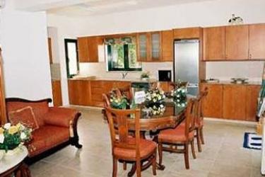 Hotel Z&x Holiday Villas: Dormitorio 6 Pax CIPRO