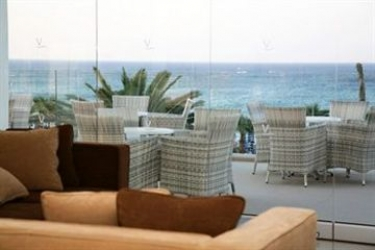 Vrissiana Boutique Beach Hotel: Putting Green CIPRO