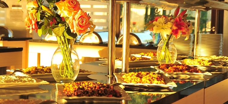 Hotel Ada Beach: Buffet CIPRO
