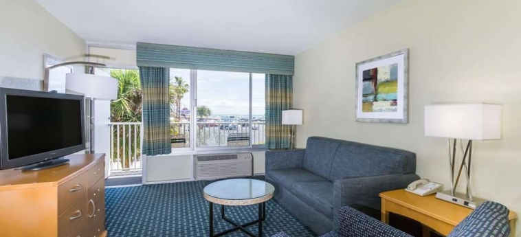 Hotel Days Inn Cocoa Beach: Chambre Suite COCOA BEACH (FL)