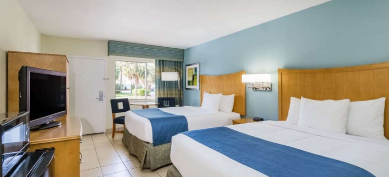 Hotel Days Inn Cocoa Beach: Chanbre COCOA BEACH (FL)