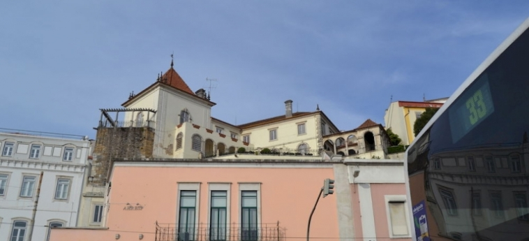 Coimbra Portagem Hostel: Lobby COIMBRA