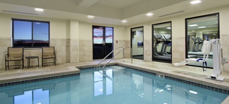 Hotel Holiday Inn Express & Suites First & Main: Piscina Cubierta COLORADO SPRINGS (CO)
