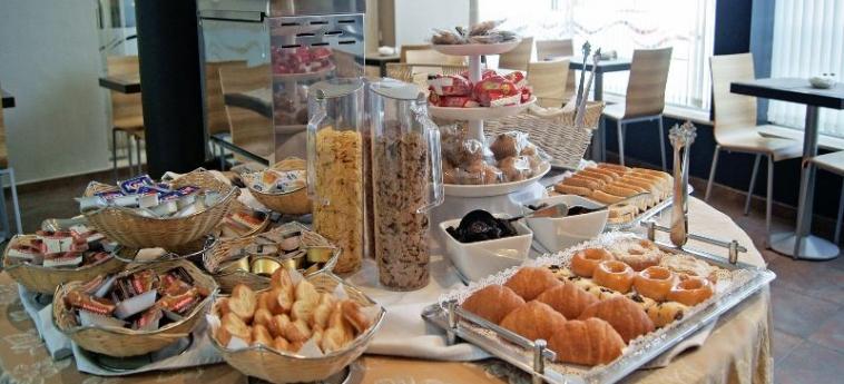 Hotel Andalussia: Restaurant CONIL DE LA FRONTERA - CADIX