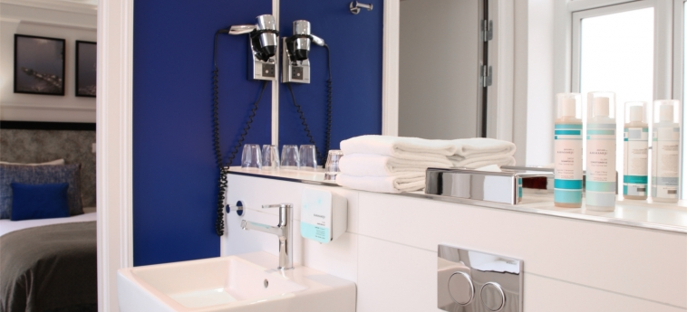 Hotel Absalon: Bathroom COPENHAGEN