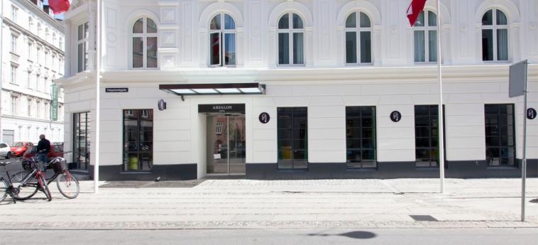 Hotel Absalon: Entrance COPENHAGEN