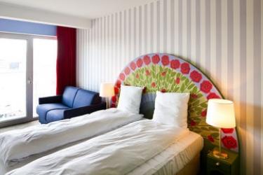 Tivoli Hotel & Congress Center: Camera Suite COPENHAGEN