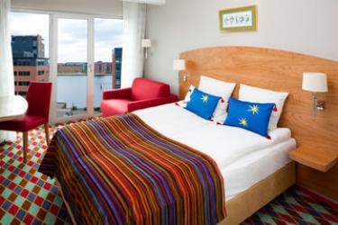 Tivoli Hotel & Congress Center: Guest Room COPENHAGEN