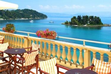 Hotel Pontikonissi: Vista desde el hotel  CORFÚ