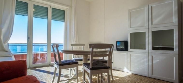 Casa Vacanze Maiori: Living Room COTE AMALFITAINE