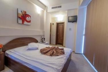 Hotel Rexton: Habitación de huéspedes CRAIOVA