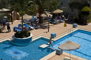 Hotel Zeus Village: Esterno CRETA