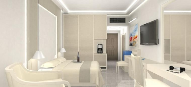 Royal Marmin Bay Boutique & Art Hotel: Corridor CRETE
