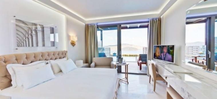 Royal Marmin Bay Boutique & Art Hotel: View of skyline CRETE