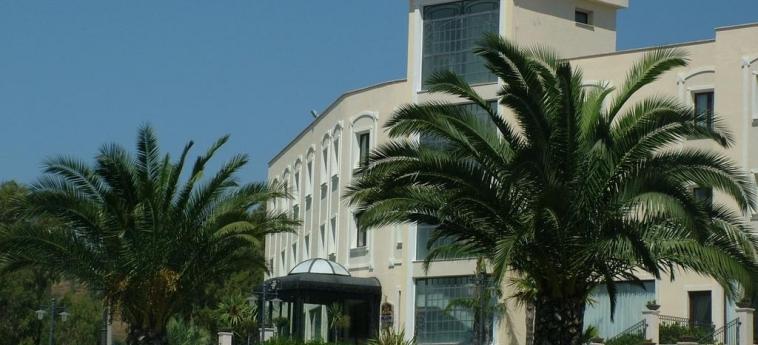 Best Western Hotel San Giorgio: Außen CROTONE