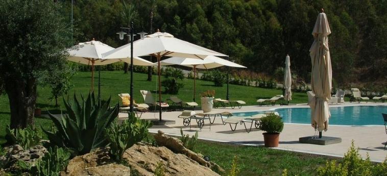 Best Western Hotel San Giorgio: Garten CROTONE