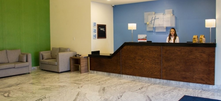 Hotel Holiday Inn Express Culiacan: Campo da Calcio CULIACAN