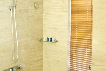 Holiday Beach Danang Hotel & Spa: Ducha del baño DA NANG