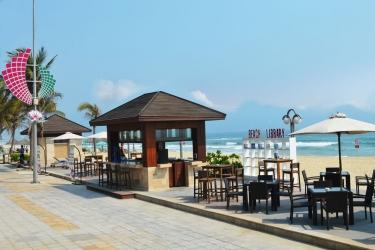 Holiday Beach Danang Hotel & Spa: Playa DA NANG