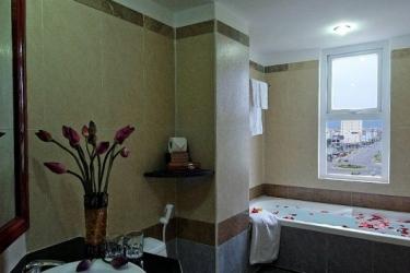 Atlantic Da Nang Hotel: Badezimmer DA NANG