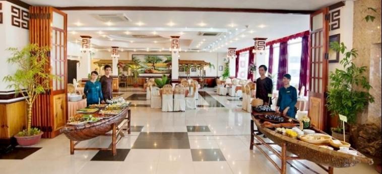 Hotel Phuong Dong Orient: Putting Green DA NANG